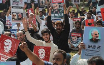 Κασέμ Σουλεϊμανί: Ο δολοφονημένος στρατηγός ανάγεται σε εικόνα αντίστασης απέναντι στην Αμερική