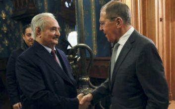 Ρωσία: Ο στρατάρχης Χαφτάρ ζήτησε δύο ημέρες προθεσμία για να συζητήσει τη συμφωνία