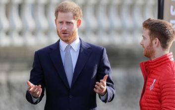 Ο πρίγκιπας Χάρι αναδείχθηκε ο «πιο σέξι γαλαζοαίματος στον πλανήτη» αλλά το twitter διαφωνεί