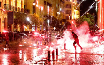 Λίβανος: Ξανά στους δρόμους οι αντικυβερνητικοί διαδηλωτές