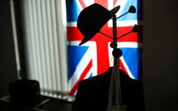 Βrexit: Με μόρια η έκδοση βίζας για τη Βρετανία - Κλείνουν τα σύνορα για ανειδίκευτους εργάτες