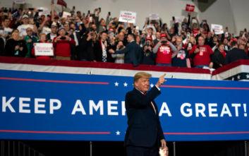 Ο Τραμπ ανυπομονεί ν' αρχίσει και πάλι την προεκλογική του εκστρατεία κι αυτό… φαίνεται