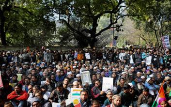 Πυροβολισμοί σε διαδήλωση για την υπηκοότητα στην Ινδία: Τραυματίστηκε φοιτητής