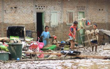 Εννέα νεκροί από πλημμύρες και κατολισθήσεις στη Σουμάτρα της Ινδονησίας