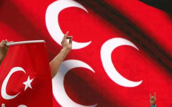 Αυστρία: Απολύθηκαν 4 Τούρκοι οδηγοί λεωφορείου επειδή έκαναν το σήμα των «γκρίζων λύκων»