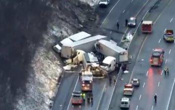 Καραμπόλα με νταλίκες και οχήματα στην Πενσυλβάνια-Πέντε νεκροί και δεκάδες τραυματίες