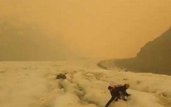 Νέα Ζηλανδία: Παγετώνες παίρνουν καφέ χρώμα λόγω των πυρκαγιών στην Αυστραλία