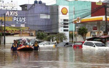 Ινδονησία: Τουλάχιστον εννέα οι νεκροί από πλημμύρες