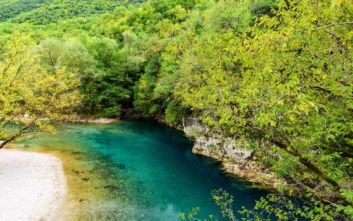Το ελληνικό ποτάμι με τα καταπράσινα νερά