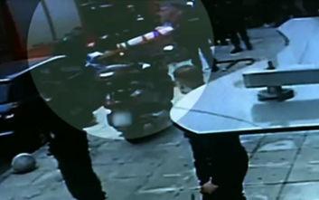 Περιστέρι: Βίντεο ντοκουμέντο λίγο μετά τη πτώση της γυναίκας στο κενό από τον τρίτο όροφο