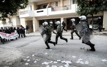 Εικόνες από την επιχείρηση της αστυνομίας στο Κουκάκι