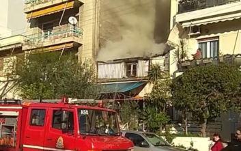 Φωτιά στον Πειραιά κοντά στο Χατζηκυριάκειο Ίδρυμα