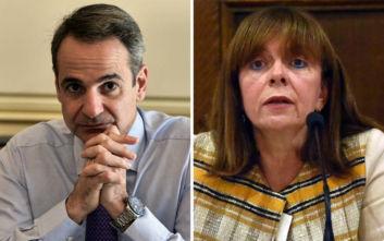 Τηλεφωνικά τα συγχαρητήρια Μητσοτάκη στην Σακελλαροπούλου για την εκλογή της