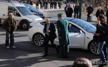 Με ηλεκτρικό αυτοκίνητο στη συνάντηση των Big 4 ο Γιάννης Αλαφούζος