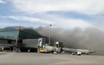 Παραμένει για δεύτερη ημέρα κλειστό το αεροδρόμιο του Αλικάντε μετά την πυρκαγιά