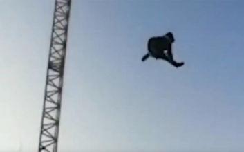Τρομακτικό ατύχημα: 13χρονος εκτοξεύεται από παιχνίδι λούνα παρκ και προσγειώνεται στο πεζοδρόμιο