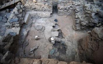 Τα νέα μοναδικά ευρήματα από την προϊστορική πόλη του Ακρωτηρίου Θήρας