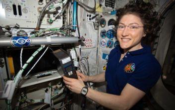 Ρεκόρ παραμονής στο διάστημα για την Αμερικανίδα αστροναύτη Κριστίνα Κοχ