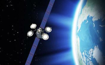 Δορυφόρος βάρους 4 τόνων κινδυνεύει να εκραγεί μετά από πρόβλημα στις μπαταρίες του