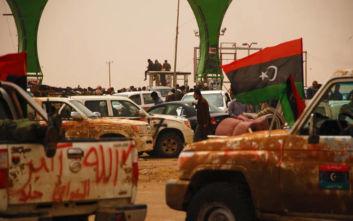 Έκκληση από Γαλλία, Ιταλία και Γερμανία να σταματήσουν οι εχθροπραξίες στη Λιβύη