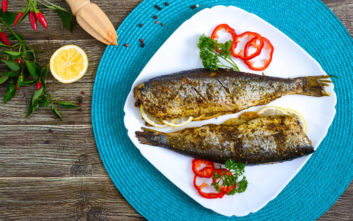 Πώς μπορείς να φας το ψάρι αν το έκαψες στο ψήσιμο