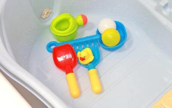 Μωρό πνίγηκε στην μπανιέρα γιατί η μαμά του ήθελε λίγο χρόνο για τον εαυτό της