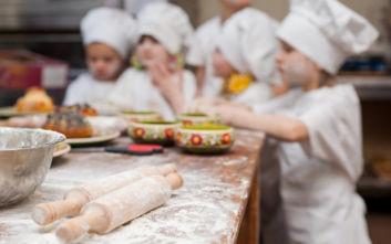 Μάγειρες 4 ετών στη Θεσσαλονίκη μαθαίνουν την ποντιακή κουζίνα