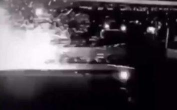 Κασέμ Σουλεϊμάνι: Η στιγμή που πύραυλος κάνει στάχτη το αμάξι του και βάζει «φωτιά» στη Μέση Ανατολή