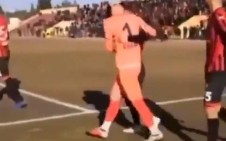 Τουρκία: Τερματοφύλακας απέκρουσε δύο φορές το πέναλτι, αποβλήθηκε και αμυντικός το απέκρουσε τρίτη!