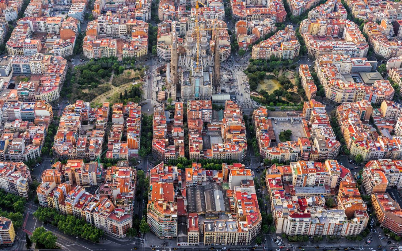 Superblocks, το καινοτόμο σχέδιο της Βαρκελώνης που επιστρέφει την πόλη στους κατοίκους της
