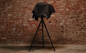 Η σκληροτράχηλη θήκη που μετατρέπει το laptop σε… φωτογραφικό εξοπλισμό