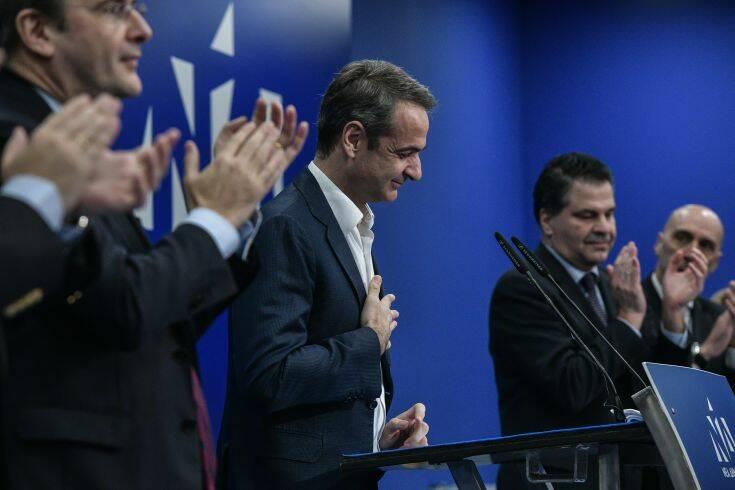 Ο Μητσοτάκης δεν «χαρίζει» το κέντρο στο ΣΥΡΙΖΑ, βάζει φρένο σε ...