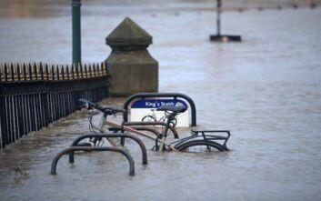Καταιγίδα Κιάρα: Προβλήματα στις συγκοινωνίες, σοβαροί τραυματισμοί στη Γερμανία