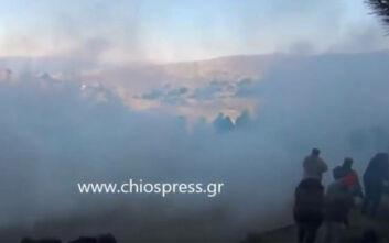 Χίος: Νέα επεισόδια με πετροπόλεμο, χημικά και εκτόξευση νερού - Μία γυναίκα στο νοσοκομείο