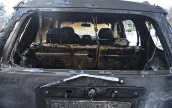 Φωτογραφίες από τα καμμένα αυτοκίνητα του υπουργείου Πολιτισμού στη Θεσσαλονίκη