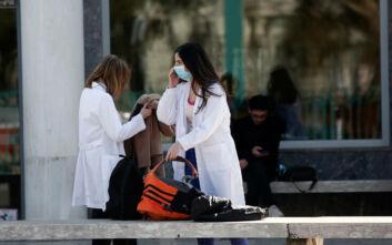 Κορονοϊός: Ενημερωτική καμπάνια και αφίσες στη Θεσσαλονίκη για την αντιμετώπιση του ιού