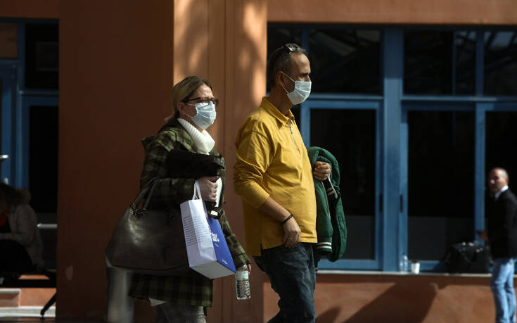 Κορονοϊός: «Μην πηγαίνετε μόνοι σας στα νοσοκομεία» - Ετοιμάζεται τετραψήφιος αριθμός του ΕΟΔΥ
