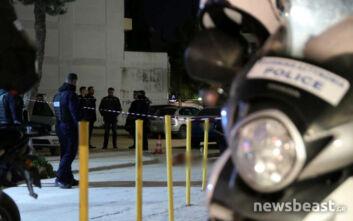 Φωτογραφίες από το σημείο που άνδρας πυροβολήθηκε στο πρόσωπο στο Μενίδι