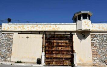 Παρέμβαση Ρουβίκωνα σε ψυχίατρο-επόπτη των φυλακών Κορυδαλλού