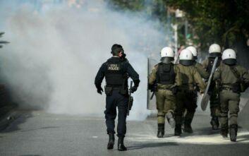Ραγκούσης για αστυνομικό που έβγαλε όπλο στην ΑΣΟΕΕ: «Ήταν νεοπροσληφθείς ειδικός φρουρός;»