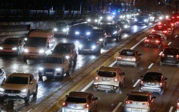 Καραμπόλα 4 οχημάτων στην Αθηνών – Λαμίας, σοβαρά προβλήματα στην κυκλοφορία στο ύψος της Μεταμόρφωσης