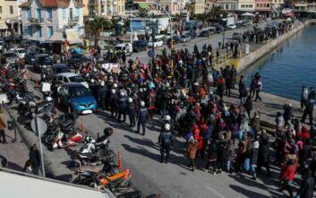 Πορεία διαμαρτυρίας αιτούντων άσυλο στον καταυλισμό της Μόριας