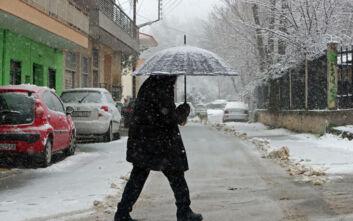 Καιρός: Στην κατάψυξη η χώρα - Τσουχτερό κρύο, χιόνια και θυελλώδεις άνεμοι