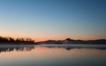 Ανατολή στη λίμνη Πλαστήρα