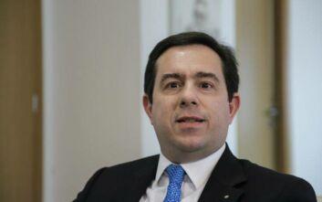 Μηταράκης: Οι διοικητές των δομών φιλοξενίας θα δίνουν αναφορά κατευθείαν στην ελληνική Πολιτεία