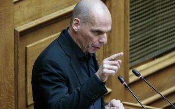 Άλλαξε στάση ο Βαρουφάκης και σήμερα θα παραστεί τελικά στη Βουλή για να μιλήσει για τον κορονοϊό