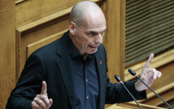 Ο Βαρουφάκης κατέθεσε στη Βουλή φάκελο με ηχογραφήσεις από Eurogroup του 2015