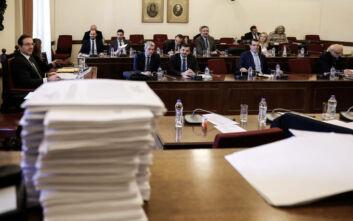 ΣΥΡΙΖΑ: Η ΝΔ θέλει να εκφοβίσει τους προστατευόμενους μάρτυρες της Novartis και ζητά να καταθέσουν χωρίς κουκούλα