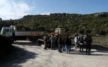 Πολίτες απέκλεισαν τους δρόμους προς την επιταγμένη περιοχή Καβακλή – Καράβας στη Λέσβο