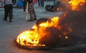 Πολεμικό σκηνικό στην Λέσβο - Αποσύρονται δυνάμεις των ΜΑΤ από το νησί